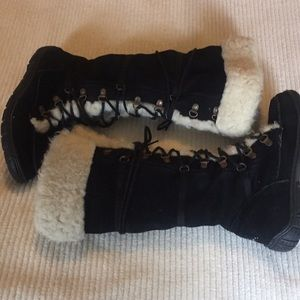 EMU SHEARLING LINED BLACK SUEDE BOOTS